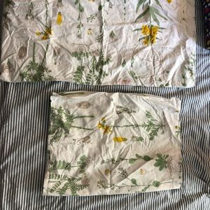 IKEA queen sized duvet cover with pillow cases